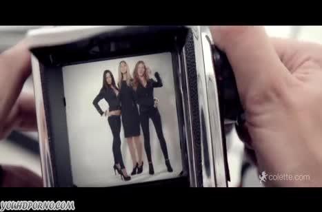 Миленькие русские лесбиянки испробовали групповое соитие на троих