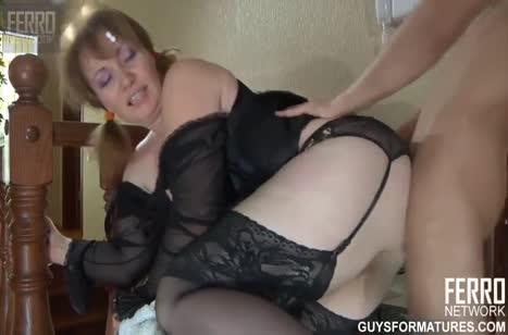 Пьяный муж возбудился от эротичного прикида жены и трахнул ее
